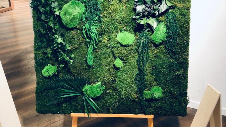 Expozitie arta verde.